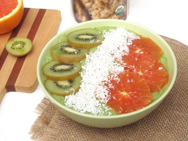 Irish Tricolor Oatmeal Smoothie Bowl #OatmealArtist #vegan