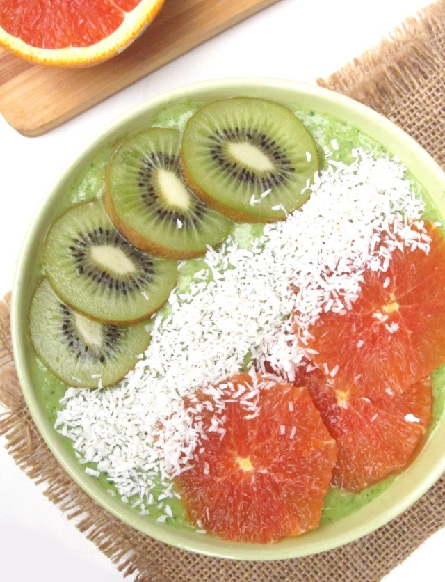 Irish Tricolor Oatmeal Smoothie Bowl #OatmealArtist