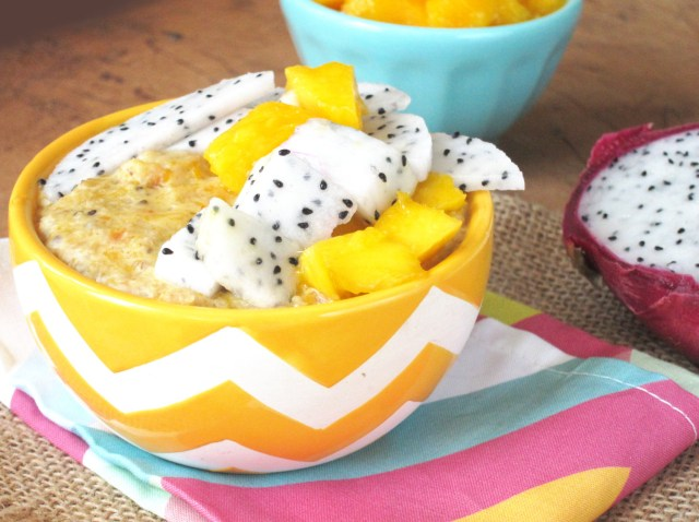 Mango-Papaya Oatmeal with Dragon Fruit #OatmealArtist