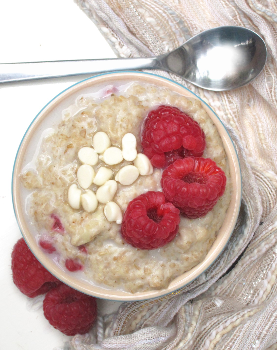 Tahini Oatmeal with Raspberries and White Chocolate | The Oatmeal ...