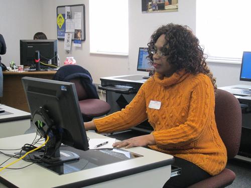 Photo by Ron Leir Client Lenora Jones checks on job postings.