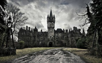 7 Hauntingly Beautiful Abandoned Castles Around The World