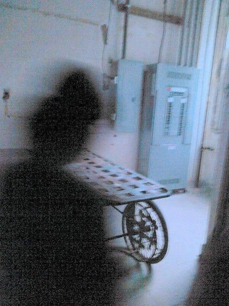 Des images dérangeantes de personnes de l'ombre qui feront ramper votre peau