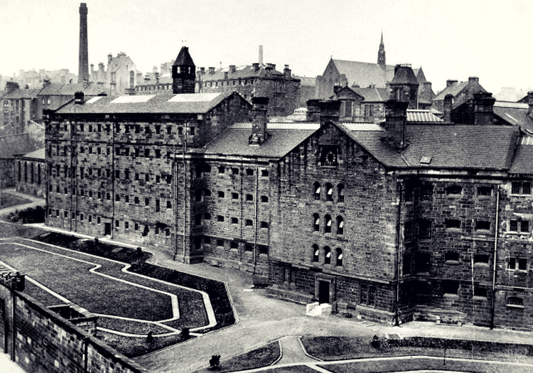Peine capitale: 9 histoires de fantômes obsédants dans le couloir de la mort