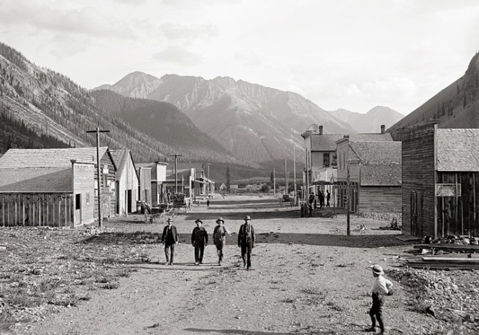 8 Haunting Ghost Stories and Legends from the Wild West