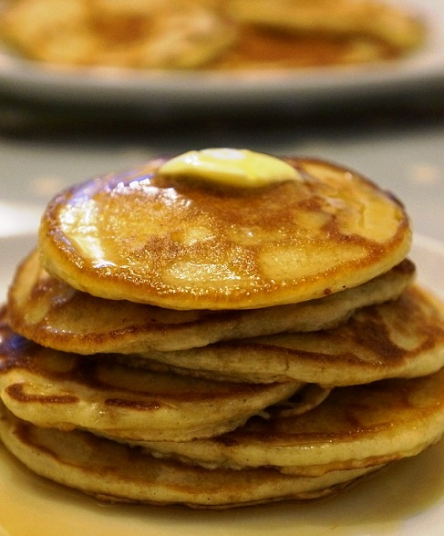 How to Make Fluffy Pancakes   Easy Buttermilk Pancakes (without Buttermilk)