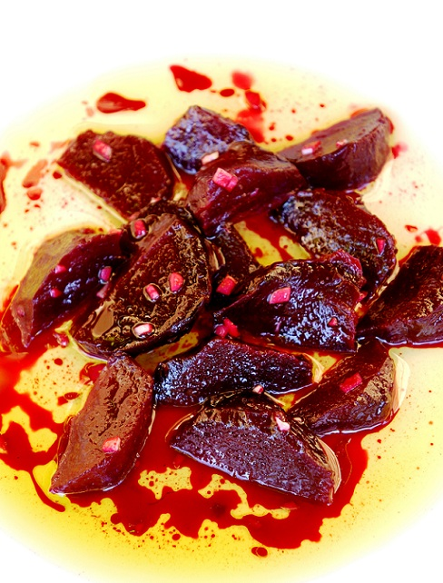 Roasted Beet Salad – my Yiayia's Greek Beetroot Salad | Greek Recipes