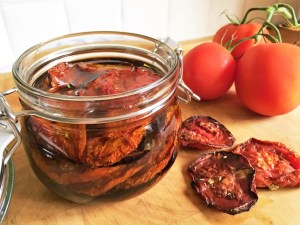 oven-dried-tomatoes-in-oil-theo-michaels