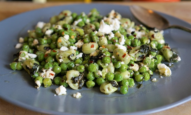 Minted Peas with Feta and Chilli – de-lish-us!