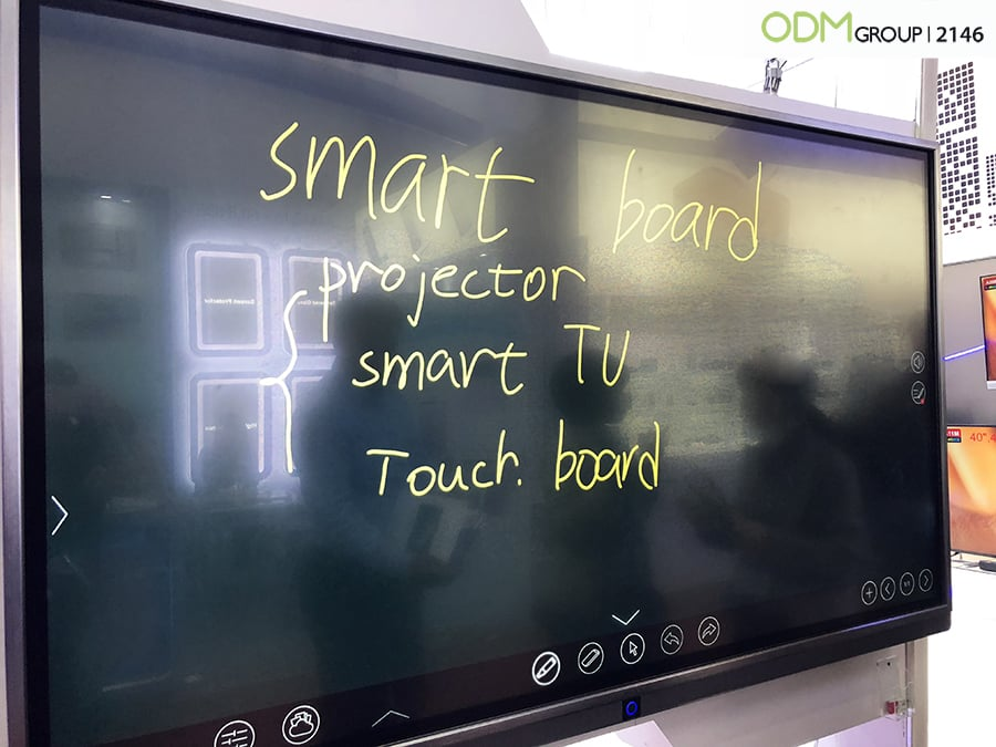 Smart Board Display: Multi functional Marketing Solutions