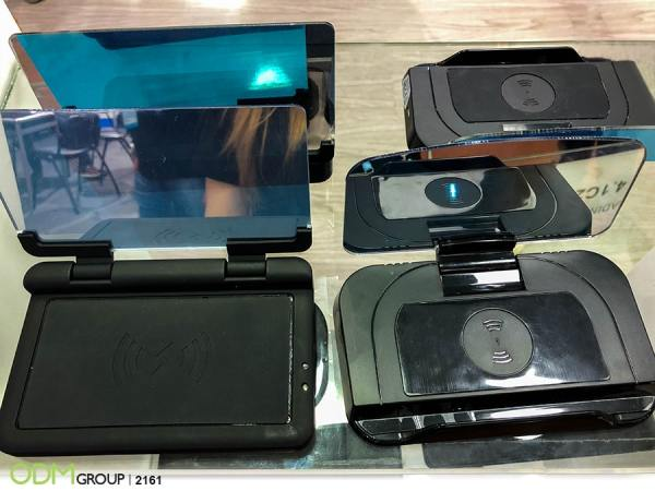 Wireless Charger Manufacturer Advertising with Charging Dock with HUD