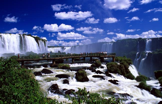 https://i1.wp.com/www.theodora.com/wfb/photos/brazil/waterfalls_foz_do_iguacu_parana_photo_gov_tourist_ministry.jpg