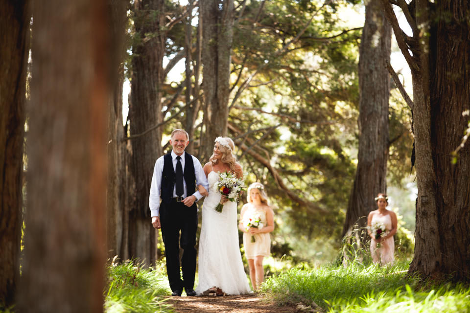 Intimate NZ wedding photography in forest
