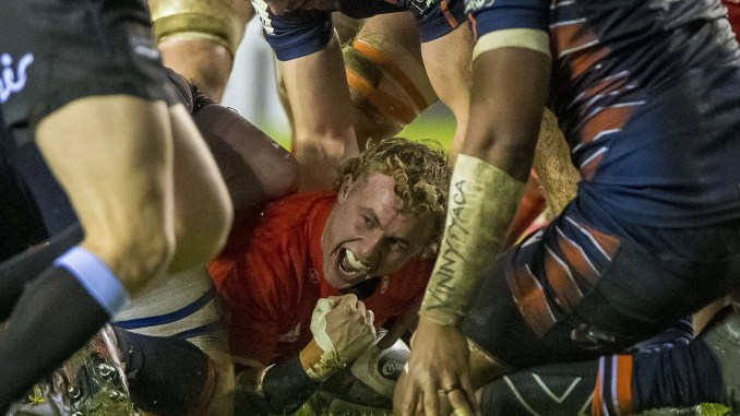 Craig Casey celebrates scoring Munster's third try. Image: © Craig Watson - www.craigwatson.co.uk