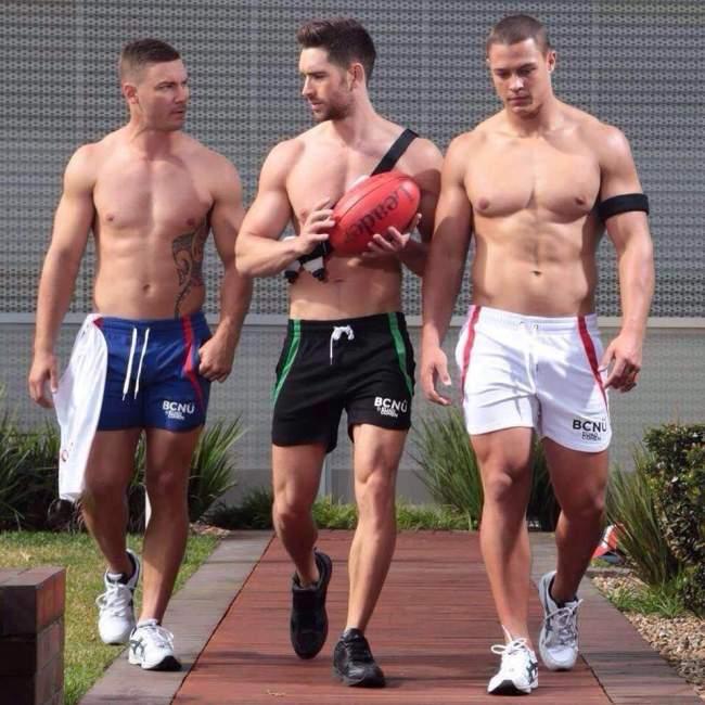 sportifs-en-short torses nus