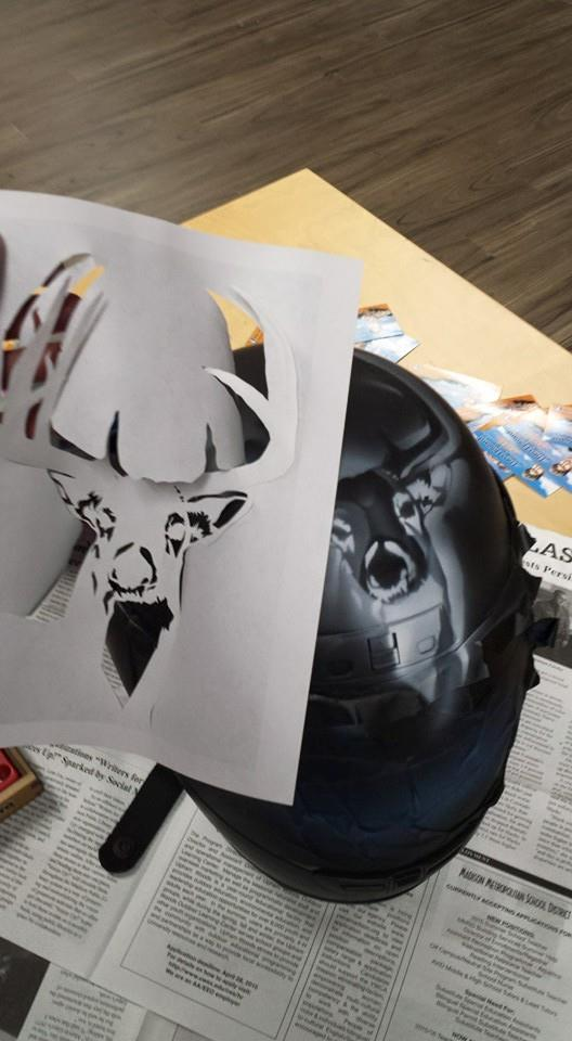airbrushed-motorcycle-helmet-deer-stencil