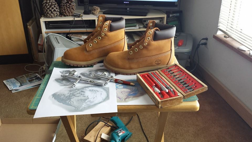 airbrushed-timberland-boots-roses