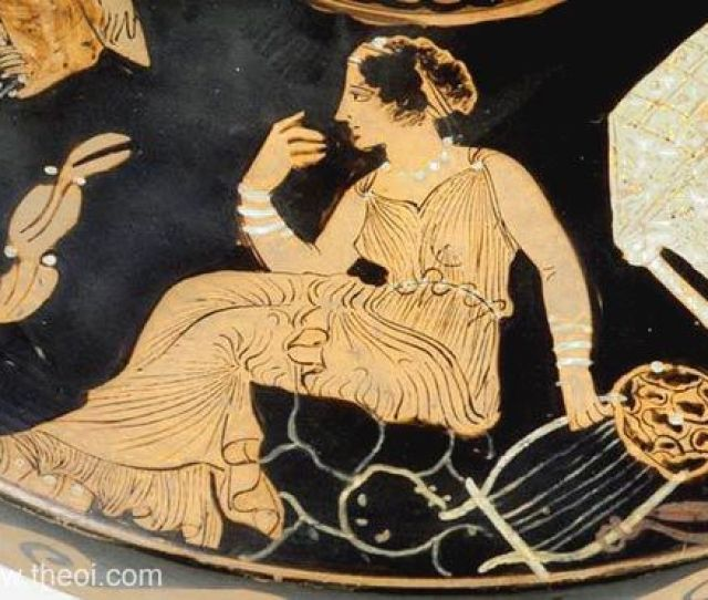 Muse With Barbiton Paestan Red Figure Lekanis C4th B C Musee Du Louvre