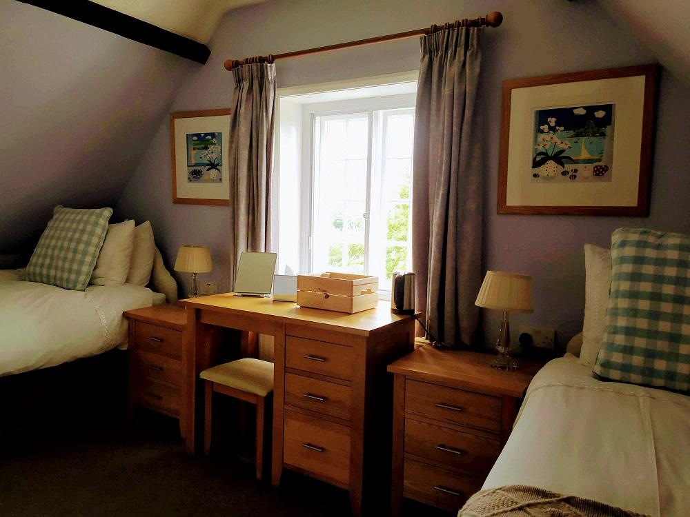 Room 4 Garden View Twin