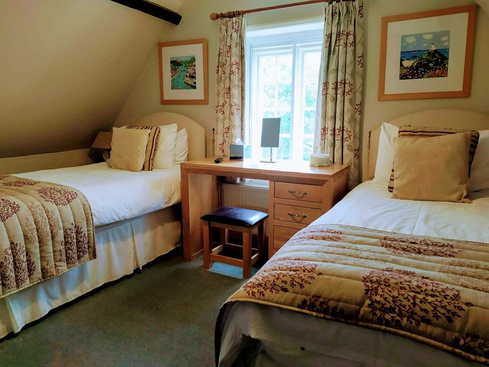 Room 6 Garden View Twin