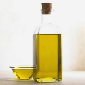 olive oil in clear glass