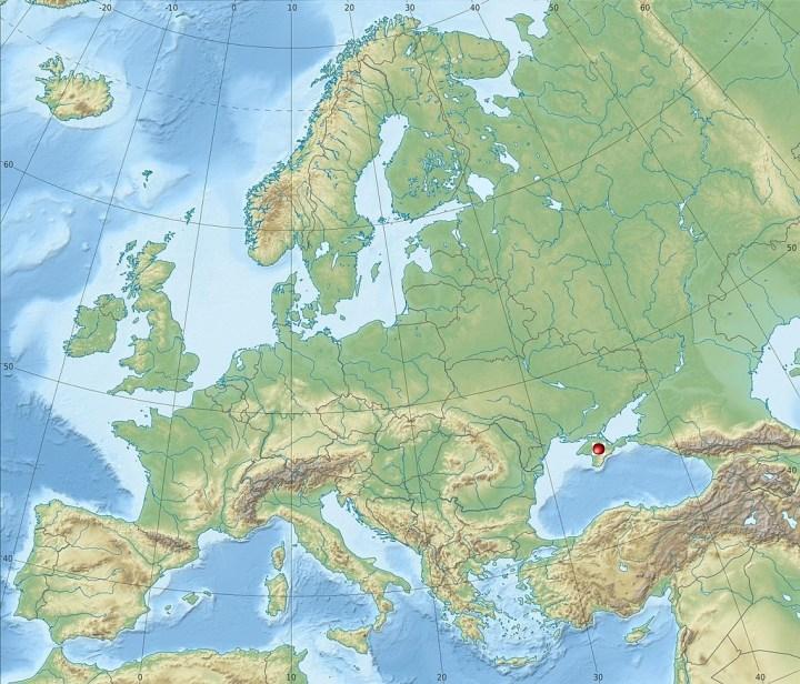 © Alexrk2 http://naturalearthdata.com/ - https://fr.wikipedia.org/wiki/Crim%C3%A9e#mediaviewer/Fichier:Europe_relief_laea_location_map.jpg