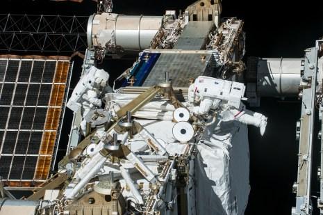 ISS-48 Jeffrey Williams and Kate Rubins