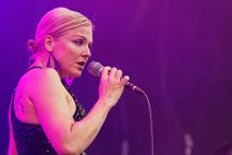 Pink Martini - Storm Large ©Wikipedia Commons