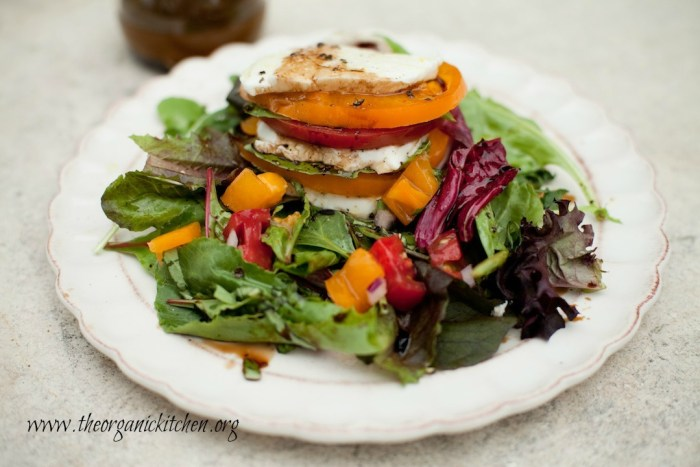 The Caprese Stack Salad #capresesalad #heirloomtomatoes #keto #ketosalad #lowcarb