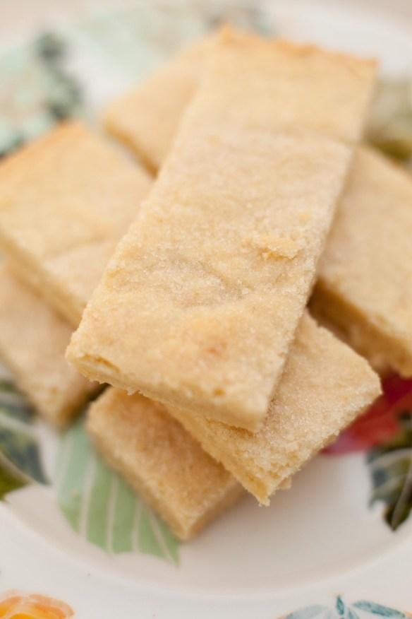 Lemon Shortbread Bars with Mascarpone