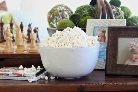 Popcorn! All kinds of popcorn!