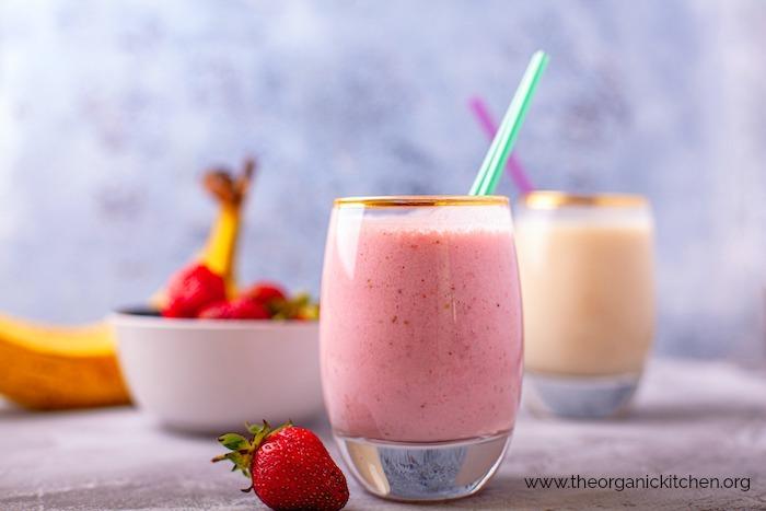 """Dairy Free """"Creamy Dreamy Strawberry Breakfast Smoothie"""""""