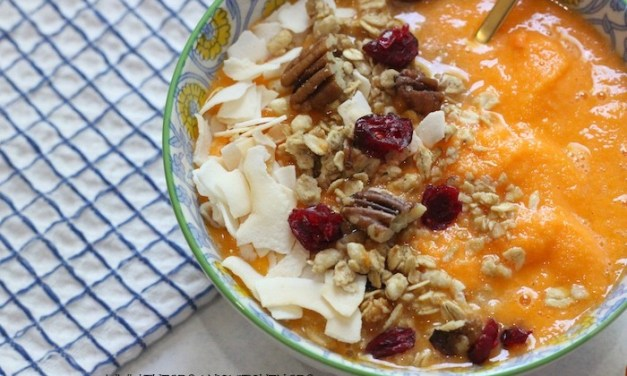 Gluten Free Tangerine Cranberry Pecan Smoothie Bowl!