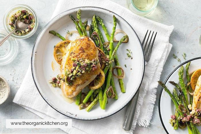 Paprika Rubbed Chicken Breasts and Asparagus!
