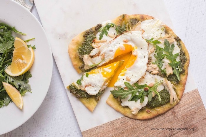 Chicken Pesto Burrata Naan Pizza with Fried Egg! #naanpizza #chickenpestopizza #glutenfreepizza option #friedegg