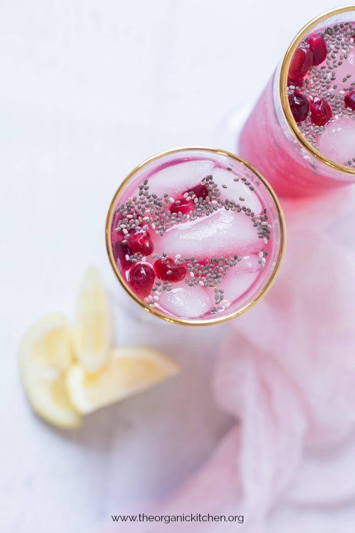 Low Carb Lemon Pomegranate Spritzer with Chia! #lowcarbdrink #ketodrink #nobalcoholicdrink #mocktail
