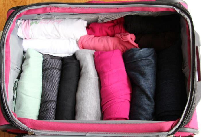 rolling clothes suitcase packing tips