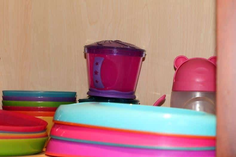 organizing kids tableware