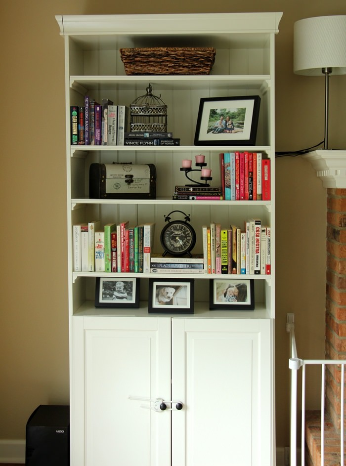Decorating Living Room Shelves - Shelfie