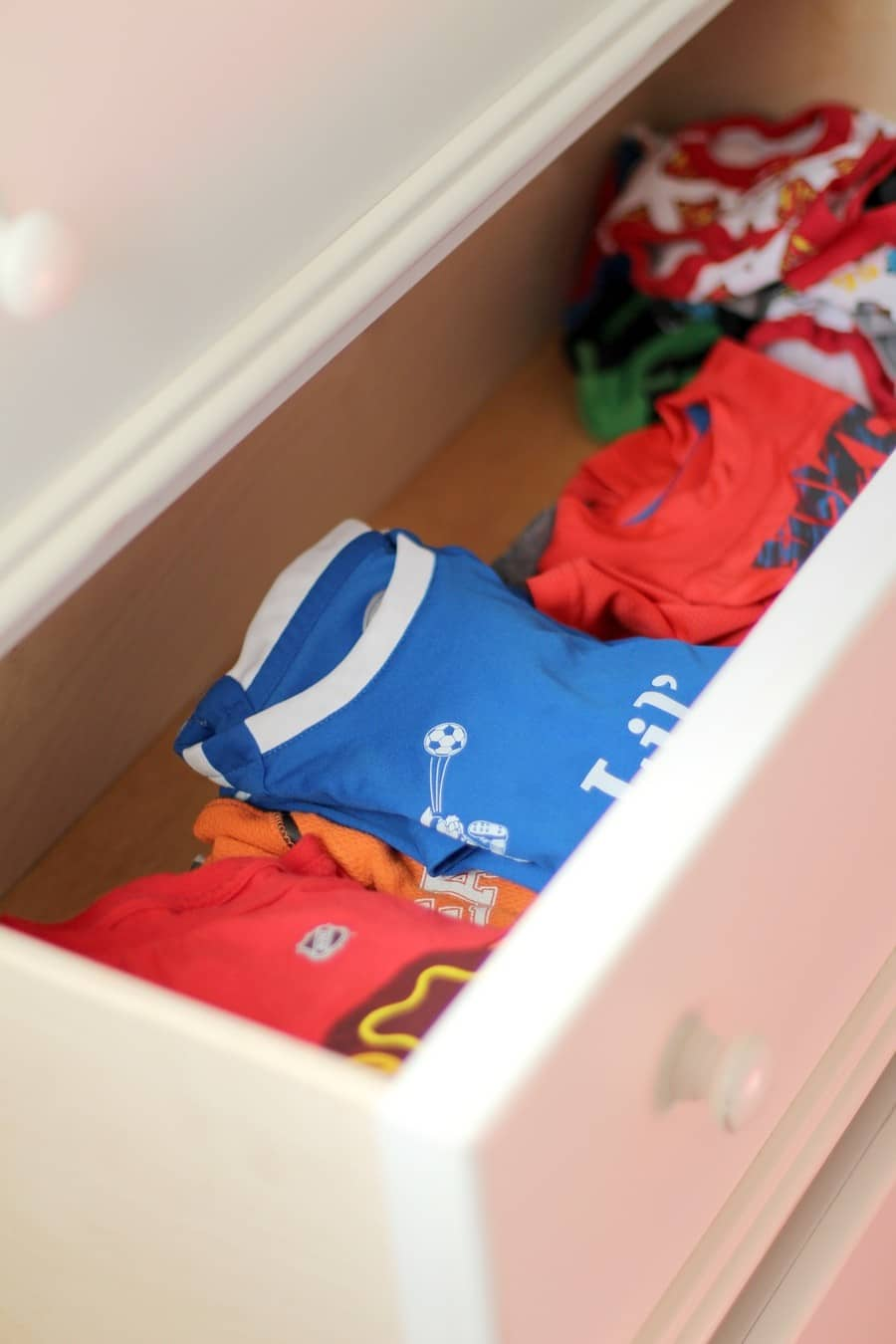How To Organize Kids Drawers - Boys Drawers