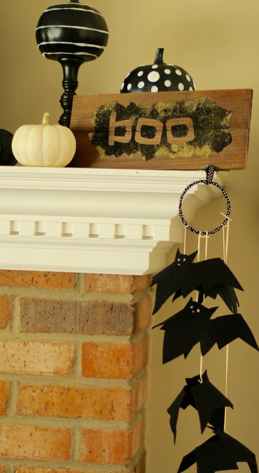 Halloween Craft Tutorial Bat Mobile - Bat Mobile Mantal