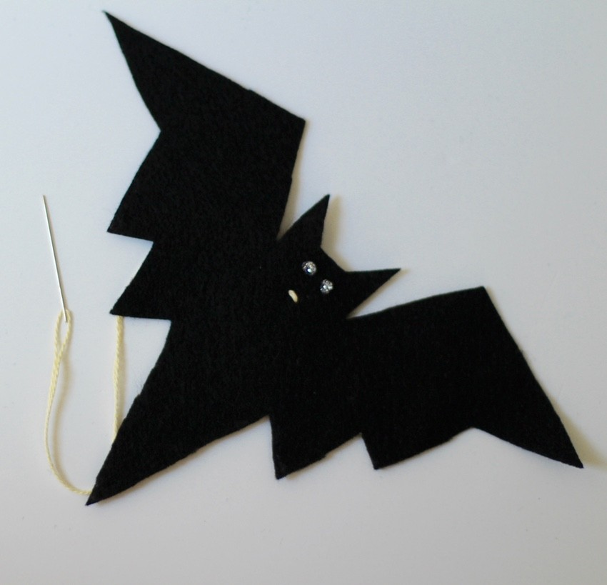 Halloween Craft Tutorial Bat Mobile - Bat Mouth With String