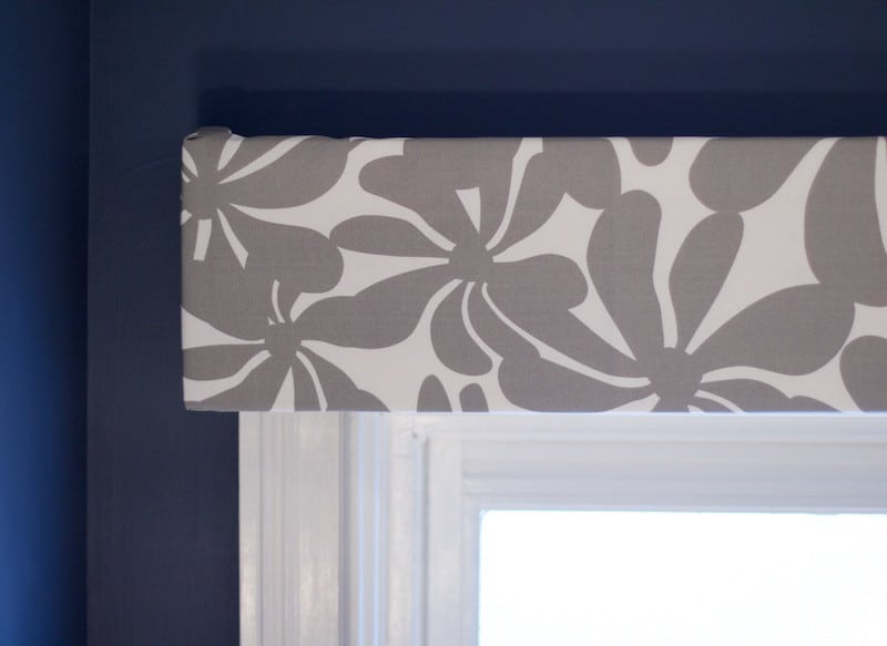 Close Up Valance Box