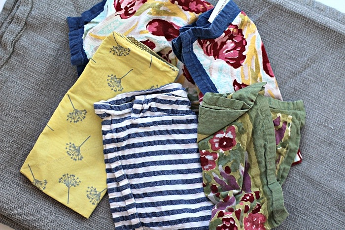 Quick and Easy Ways To Organize Your Kitchen Linens