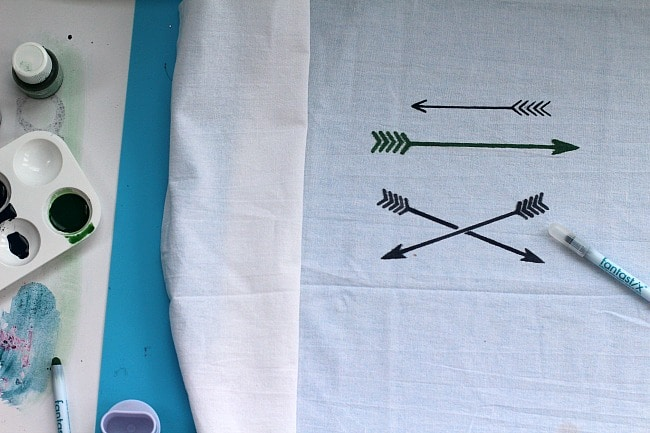 DIY Decorative Tea Towels With Arrows