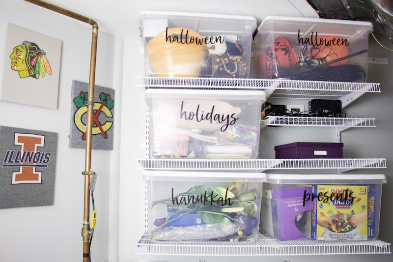 Learn tips for professoinal organizer on how to store holiday decorations using the KonMarie Method. Find what really sparks joy with your decor. #holidaydecor #storage