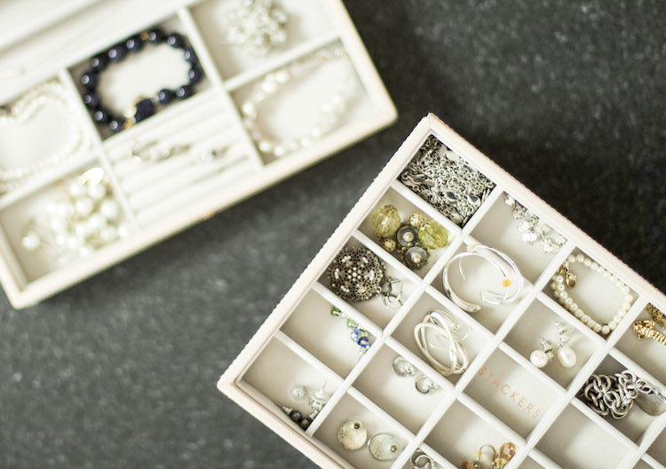 6 Useful Tips For Organizing A Modern Jewelry Box