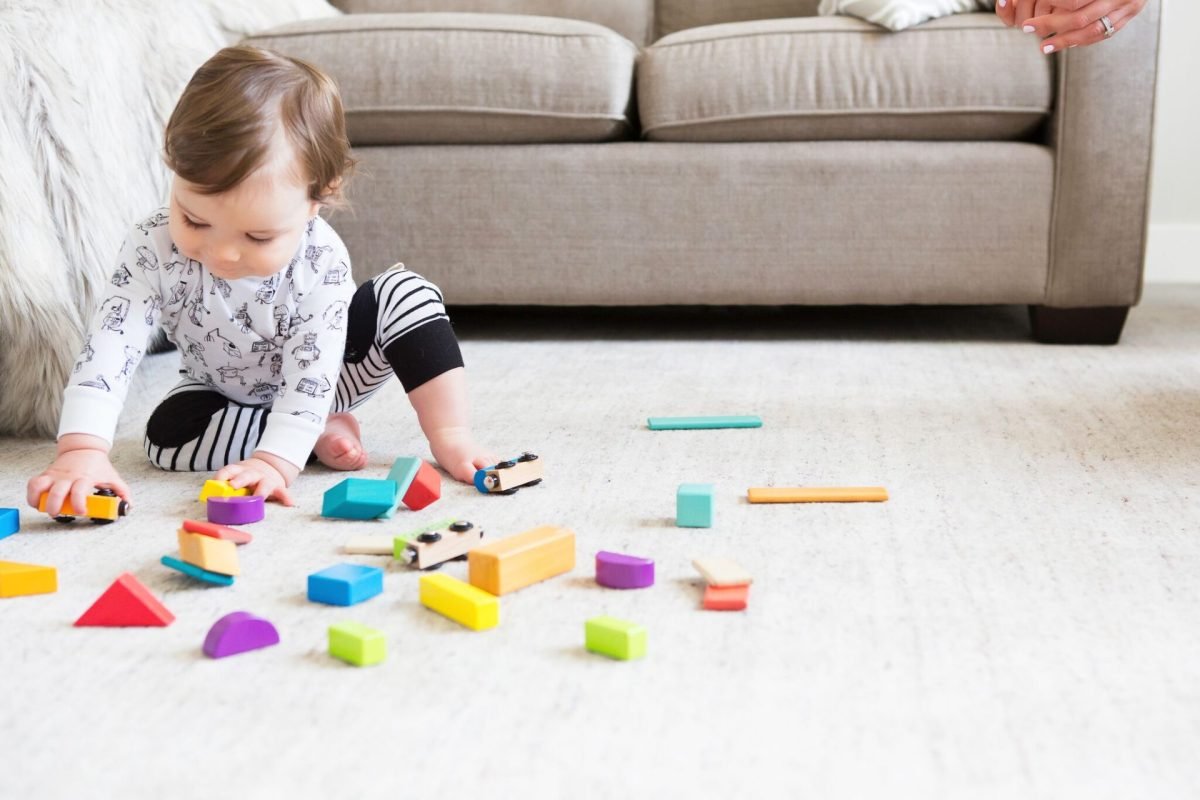 Decluttering Toys: How To Start A  Toy Rotation System