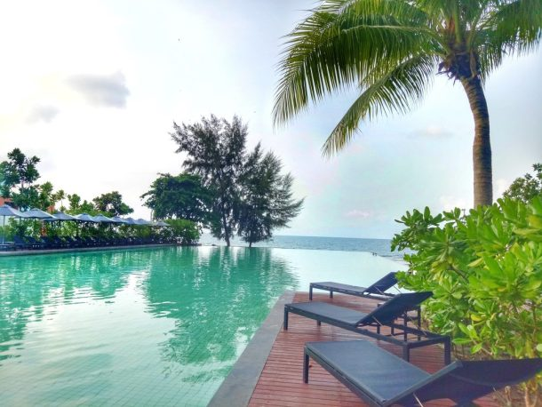 The island view swimming pools can also be modified for theme based celebrations while the three lawns and Kob Fah Hill can be decorated to become stunning open-air party venue. - Destination Wedding in Thailand: Rayong Marriott Resort & Spa