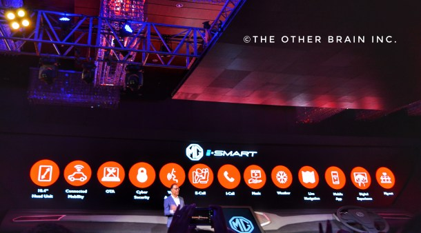 Rajeev Chaba -MD- MG Motor India Pvt Ltd. detailing about features of iSmart in MG Hector